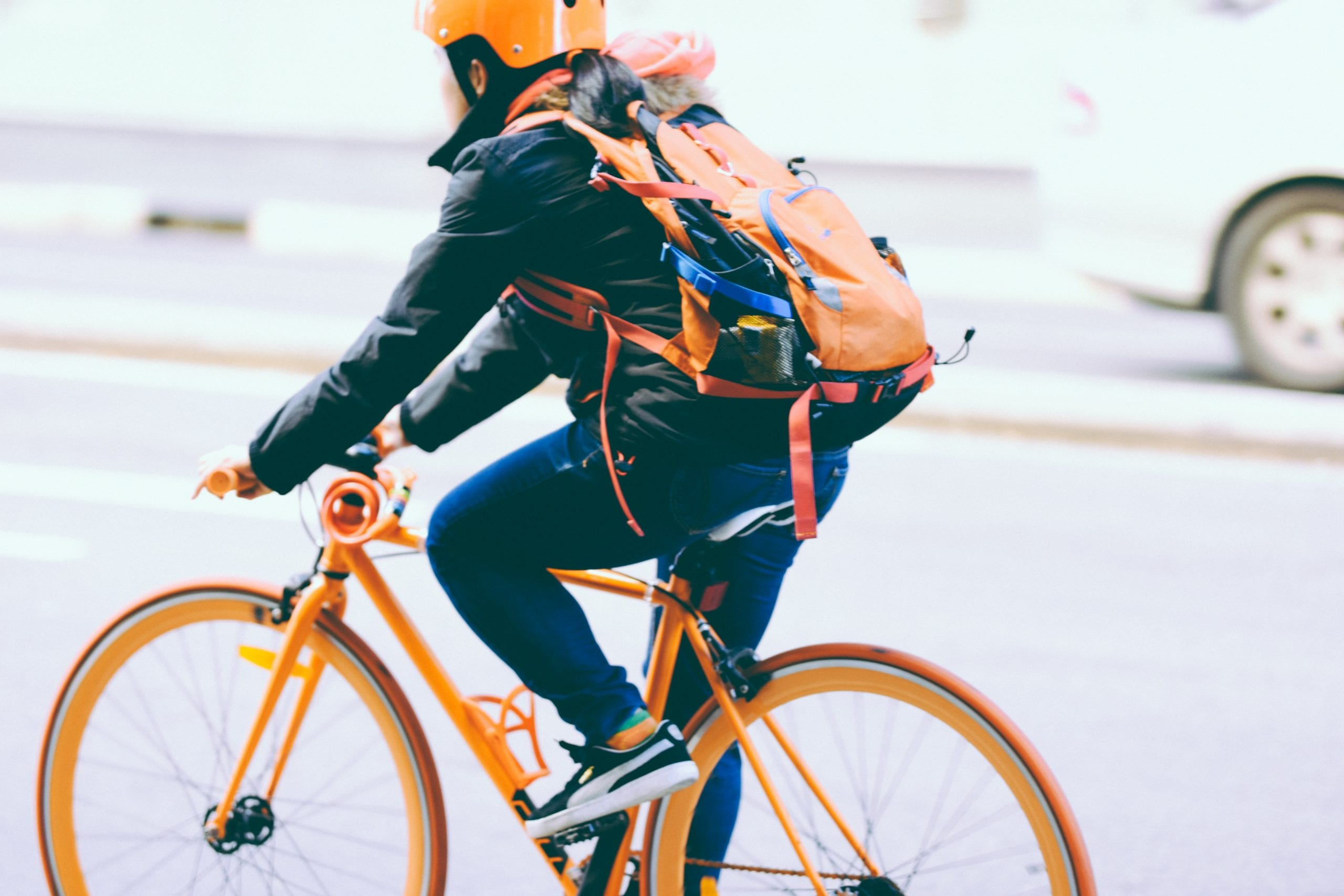 How does air pollution and smog affect you while cycling?